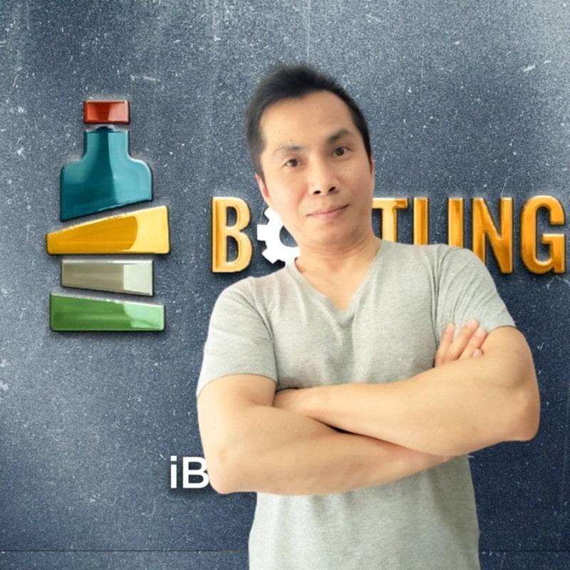 John Lau in iBottling